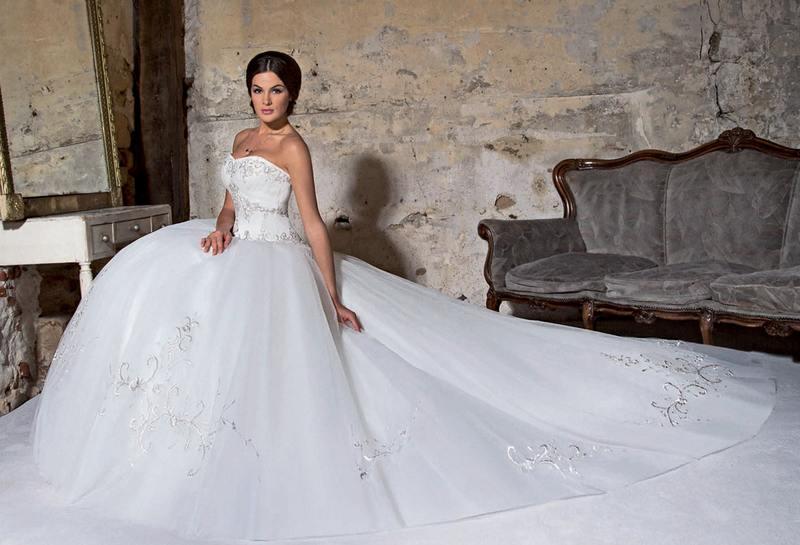 Les plus belles robes de mariée en 2017-2018